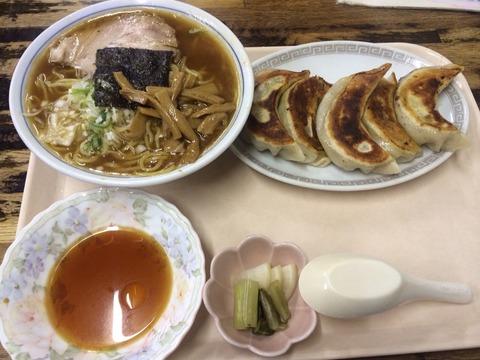 イナリ食堂ラーメン餃子
